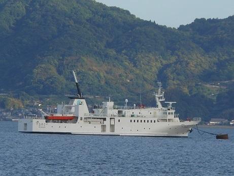 北方四島交流船「えとぴりか」停泊中_e0175370_21211565.jpg