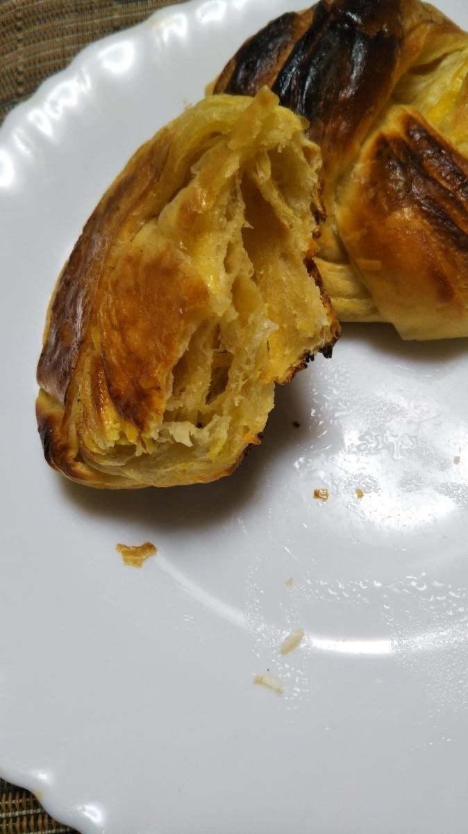 ローソン 大麦のチーズデニッシュ_f0076001_21515047.jpg