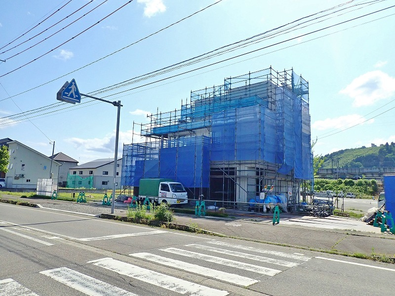浦佐駅周辺はチョットした新築ブームです!_c0336902_18282207.jpg