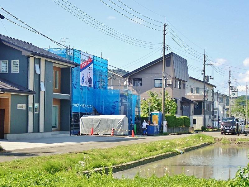 浦佐駅周辺はチョットした新築ブームです!_c0336902_18282634.jpg