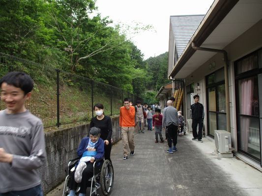 5/22 散歩_a0154110_14584815.jpg