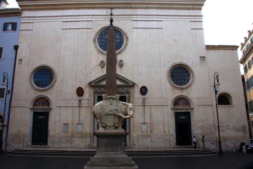 ミネルヴァの上の聖マリア・15世紀後半のフレスコ画芸術の最高傑作_a0113718_10283707.jpg