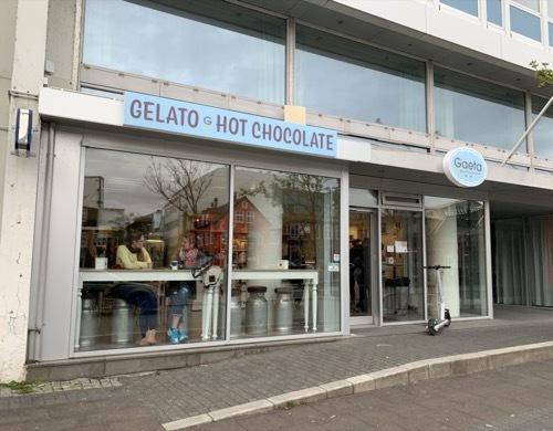 レイキャビクの新名物、ジェラート店Gaeta オープン、早々に行列!_c0003620_11124318.jpeg