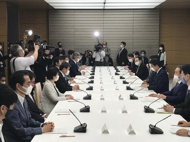 全都道府県での緊急事態宣言解除_a0143152_21495852.jpeg
