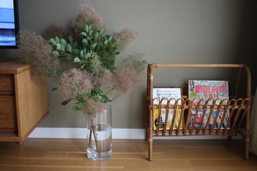 初夏の庭花とパイナップル_d0291758_22472822.jpg