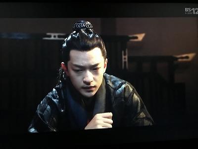 ドラマ 影 と 中国 バンビ