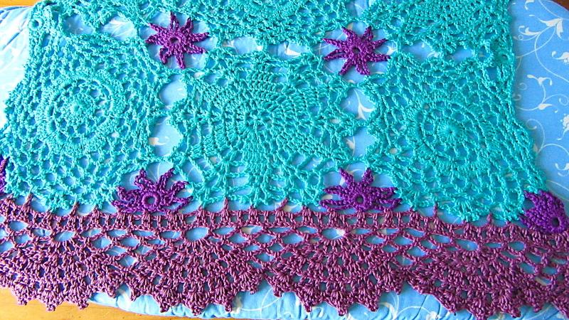 毛糸で編んだレース服_b0403996_22261893.jpg