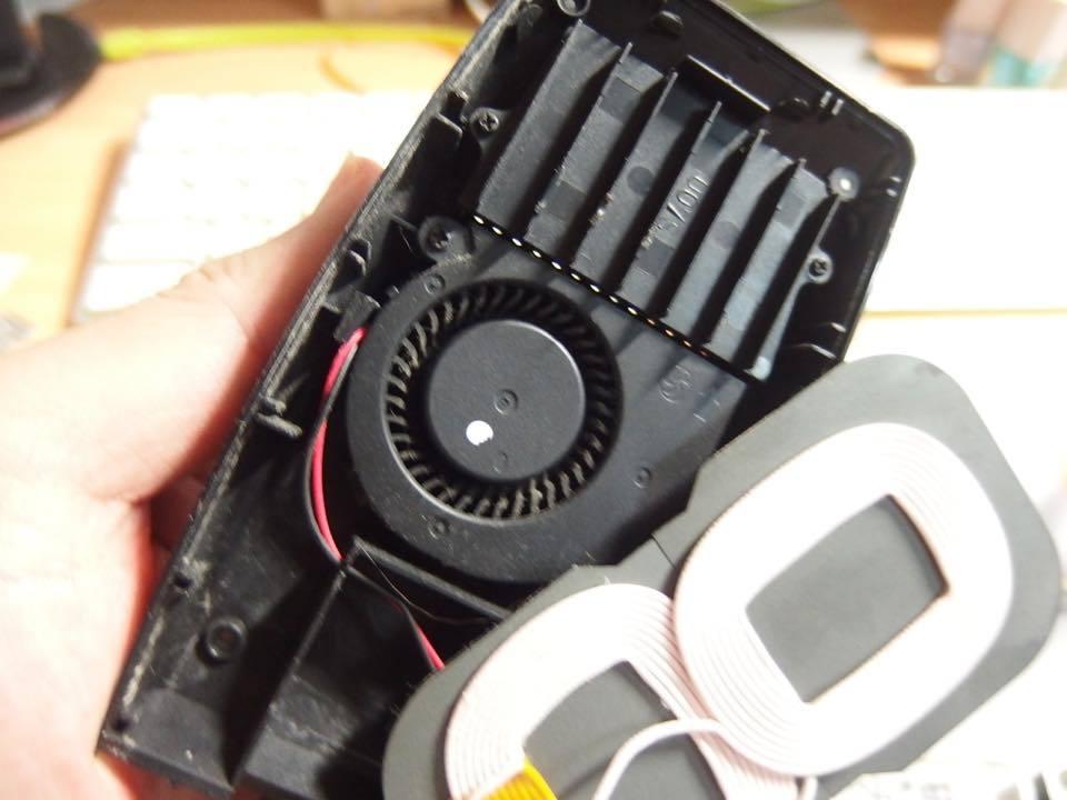 スマホの充電器_f0141609_23534548.jpg