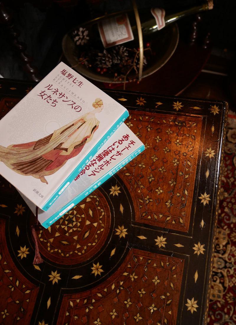 Vol.50  イタリアの女神の椅子に願いをこめて_d0166936_18284817.jpg