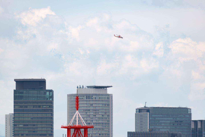 ミッドランドスクエアに飛来するトヨタの定期ヘリコプター便_a0177616_21321029.jpg