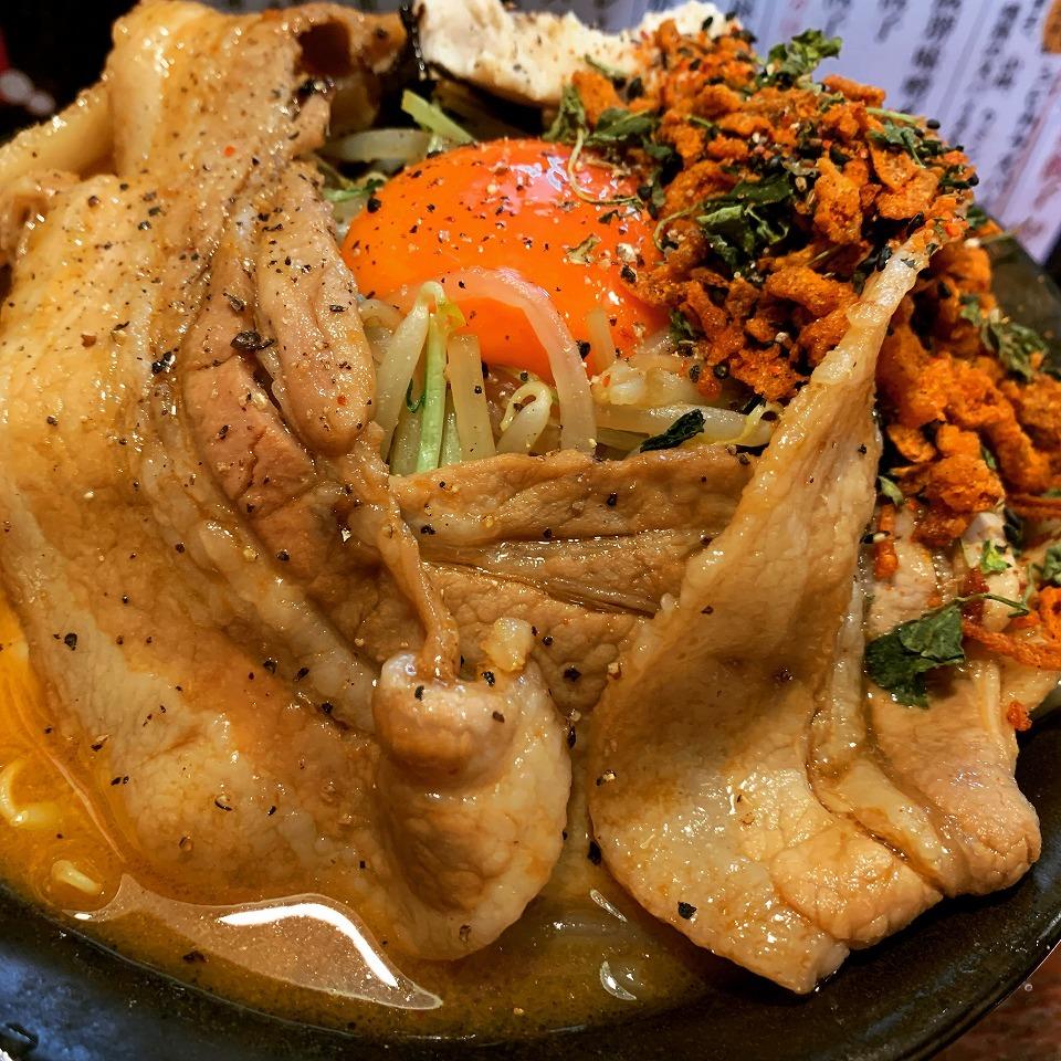 池田のラーメン「麺屋 女王蜂」_e0173645_22172408.jpg