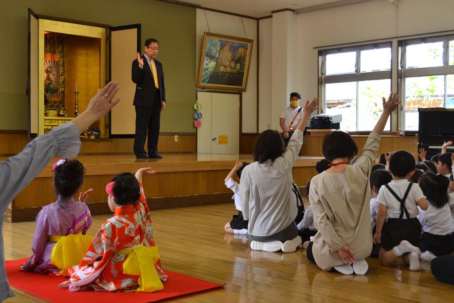 上宮第二幼稚園「お誕生会」_d0353789_16555567.jpg