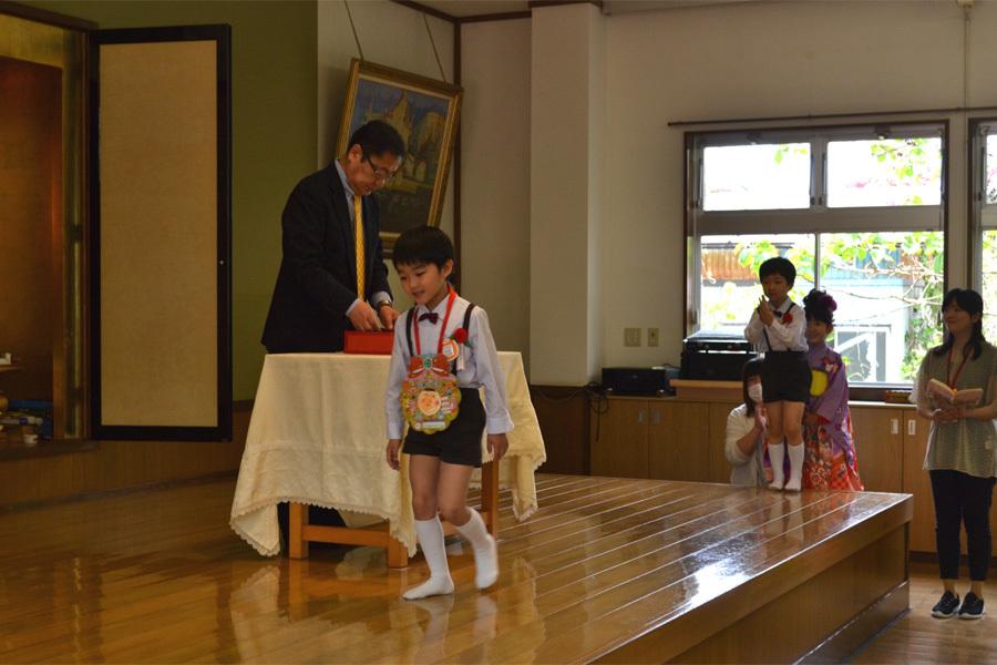 上宮第二幼稚園「お誕生会」_d0353789_16560348.jpg