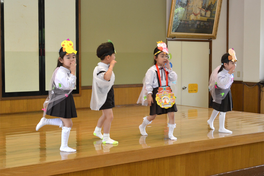 上宮第二幼稚園「お誕生会」_d0353789_16564962.jpg