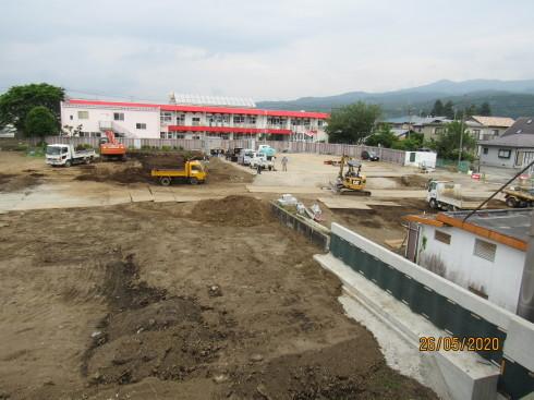 5/27 総合児童施設建設始まる_e0185893_07310842.jpg