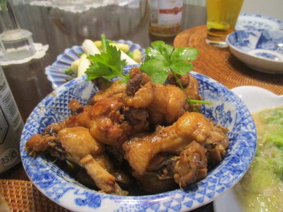 Iさんからの新茶&お庭のお花&新聞に載ってた鶏の煮物&給付金_a0279743_13220072.jpg