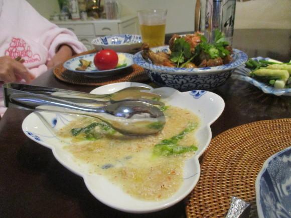 Iさんからの新茶&お庭のお花&新聞に載ってた鶏の煮物&給付金_a0279743_13234992.jpg