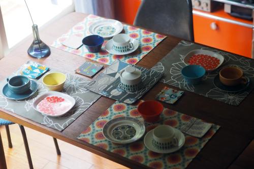 「table fabrics」カラフルに10タイプ_e0243765_20104342.jpg