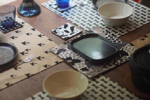 「table fabrics」カラフルに10タイプ_e0243765_20130023.jpg