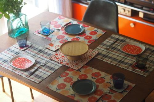 「table fabrics」カラフルに10タイプ_e0243765_20195001.jpg