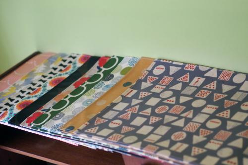 「table fabrics」カラフルに10タイプ_e0243765_20372381.jpg