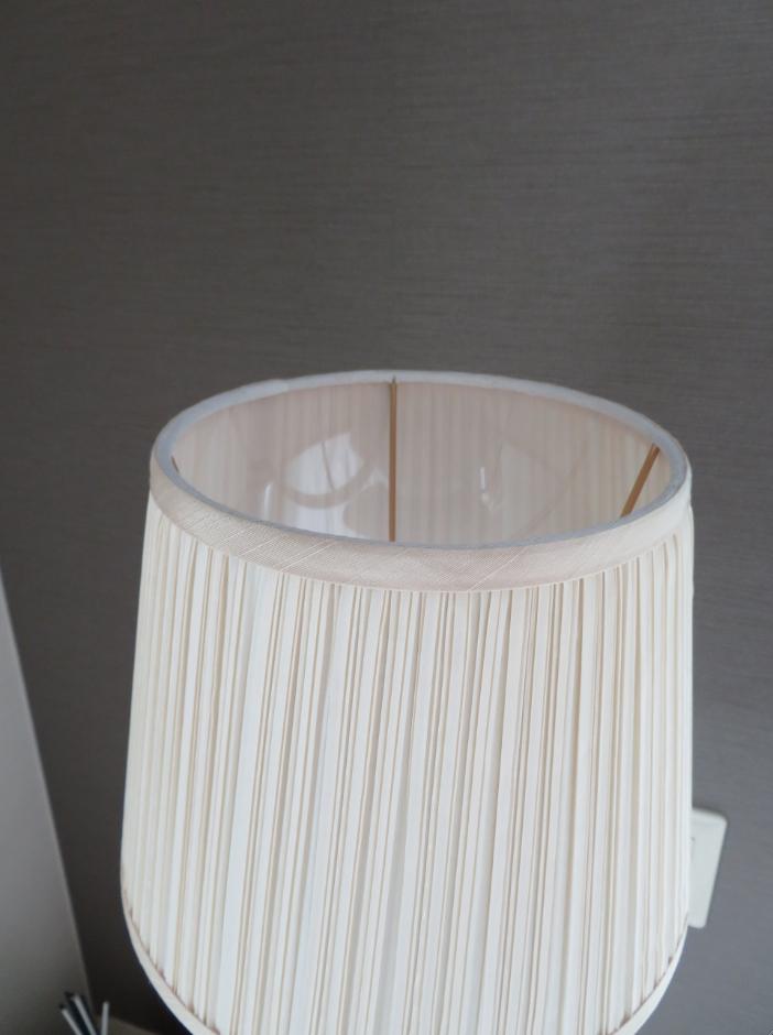 プリーツのランプシェード 張替・修理  モリス正規販売店のブライト_c0157866_18114776.jpg
