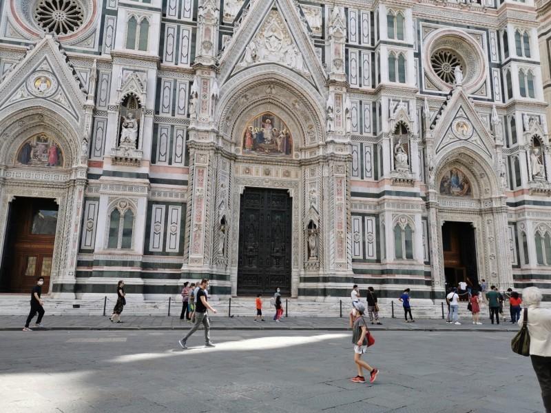 祈り〜フィレンツェ、サンタマリア・デル・フィオーレ大聖堂_f0106597_06090739.jpg