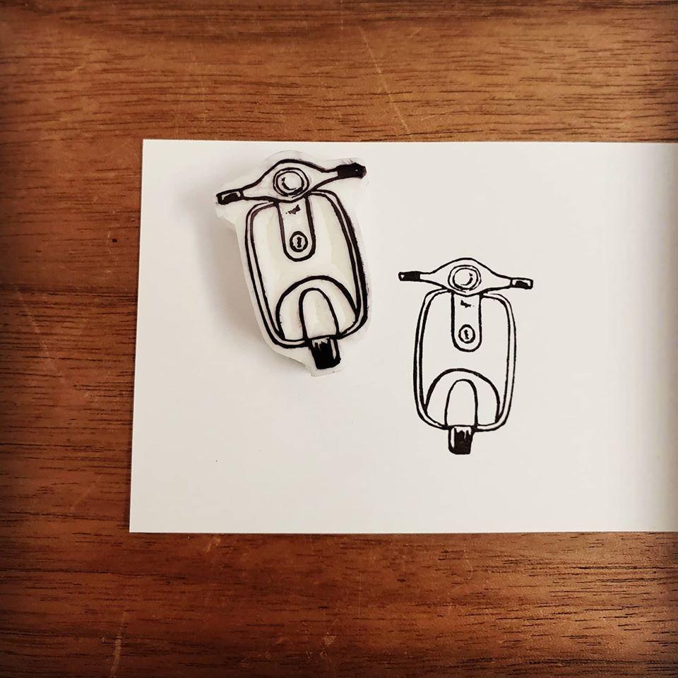 ベスパ風なスクーターはんこ彫りました♪_d0085328_15110206.jpg
