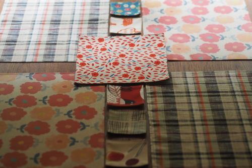 「table fabrics」カラフルに10タイプ_e0243765_00255474.jpg