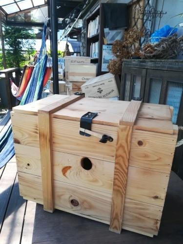 本とワインと木箱と_a0111166_20220863.jpg