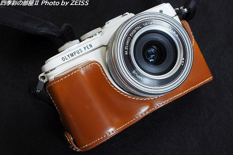 オリンパス PEN E-PL7用レザーカメラハーフケースを購入_d0358854_17245241.jpg