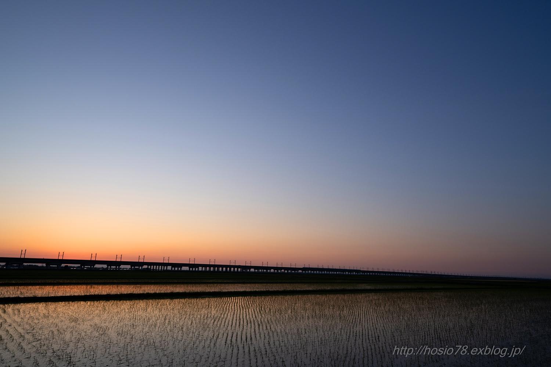 Train at sunset_e0214470_09134759.jpg