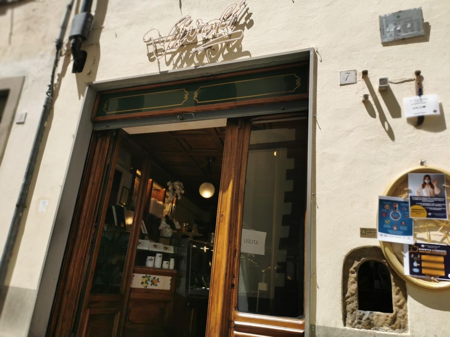 開いていました!フィレンツェのいつものお店_f0106597_02223213.jpg