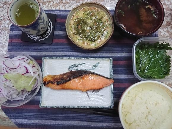 5/31 焼塩鮭甘口納豆玉子めかぶ定食@自宅_b0042308_06552301.jpg