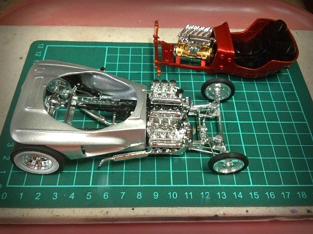 Plastic Models_a0070623_17570149.jpeg
