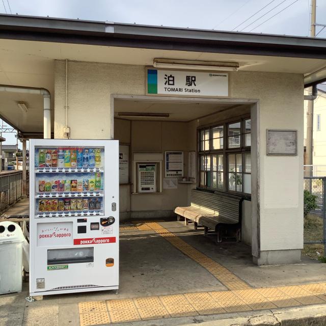 古い駅で30分に1本の列車を待つのもいいもんだ。_a0334793_03034021.jpg