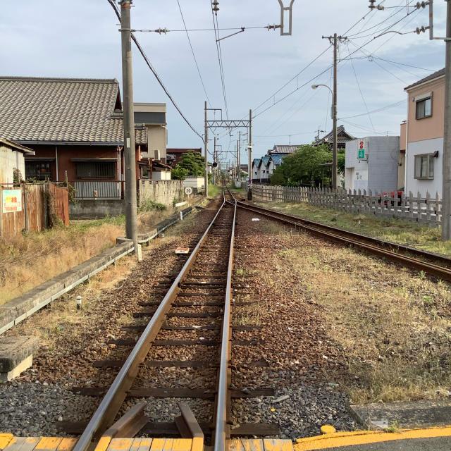 古い駅で30分に1本の列車を待つのもいいもんだ。_a0334793_03034910.jpg