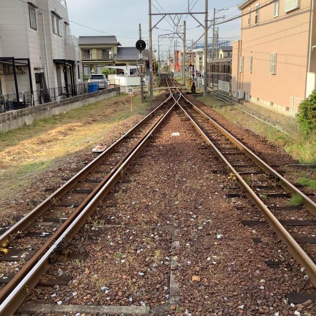 古い駅で30分に1本の列車を待つのもいいもんだ。_a0334793_03040805.jpg