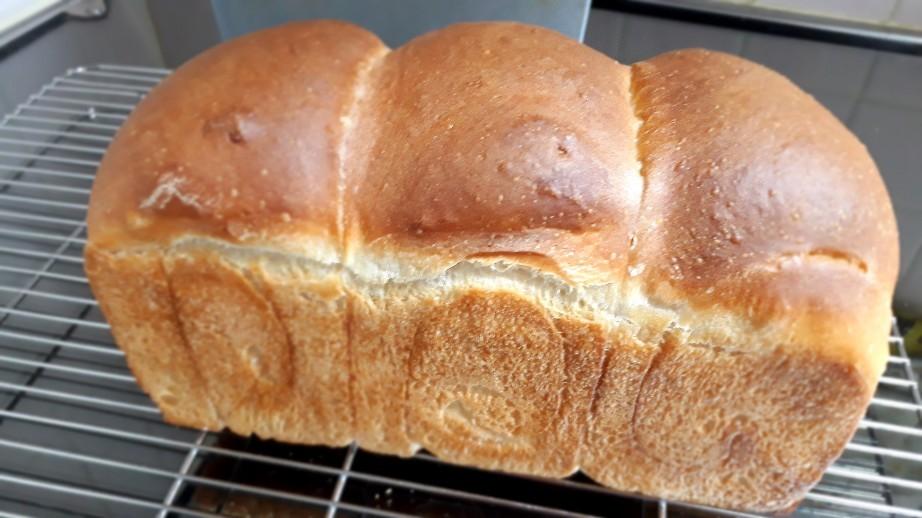 食パン率高し_c0226331_15565302.jpg