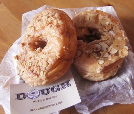 6月の第一金曜日(6/5)、米国ではナショナル・ドーナツ・デー(National Doughnut Day)_b0007805_04595611.jpg
