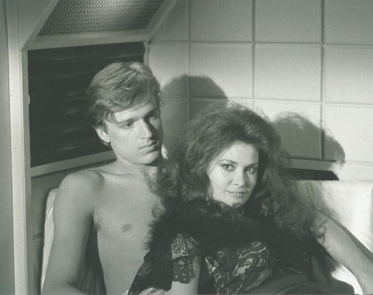 V (1983) & V: THE FINAL BATTLE (1984)_c0047930_23025716.jpg