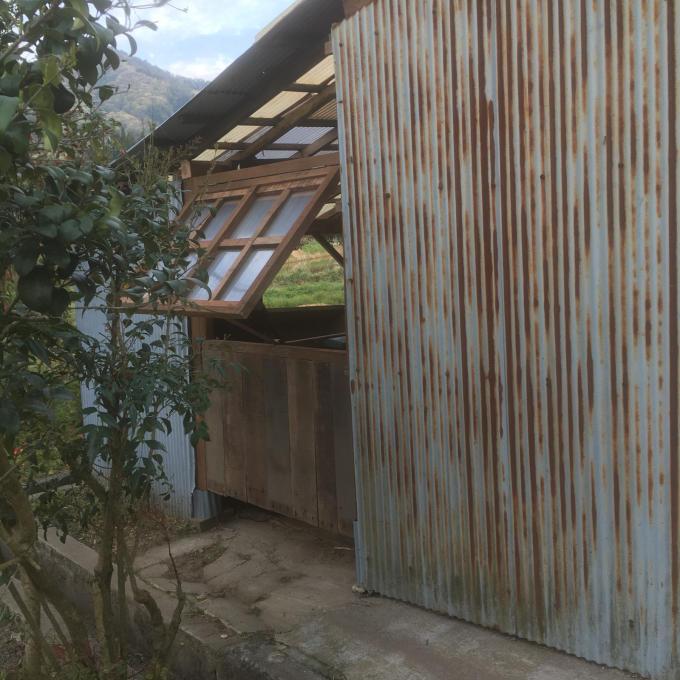 南側の納屋。その2。窓付きましたー♪_f0182246_21012764.jpg