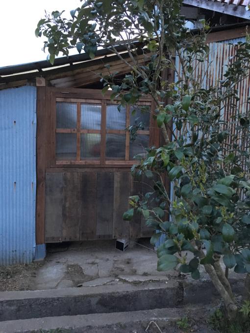 南側の納屋。その2。窓付きましたー♪_f0182246_21013261.jpg