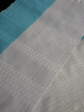 ちょっと贅沢な織り半襟を再び作っています。。。_f0177373_17582758.jpg