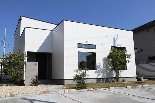 豊橋市H様邸店舗兼新築住宅完成