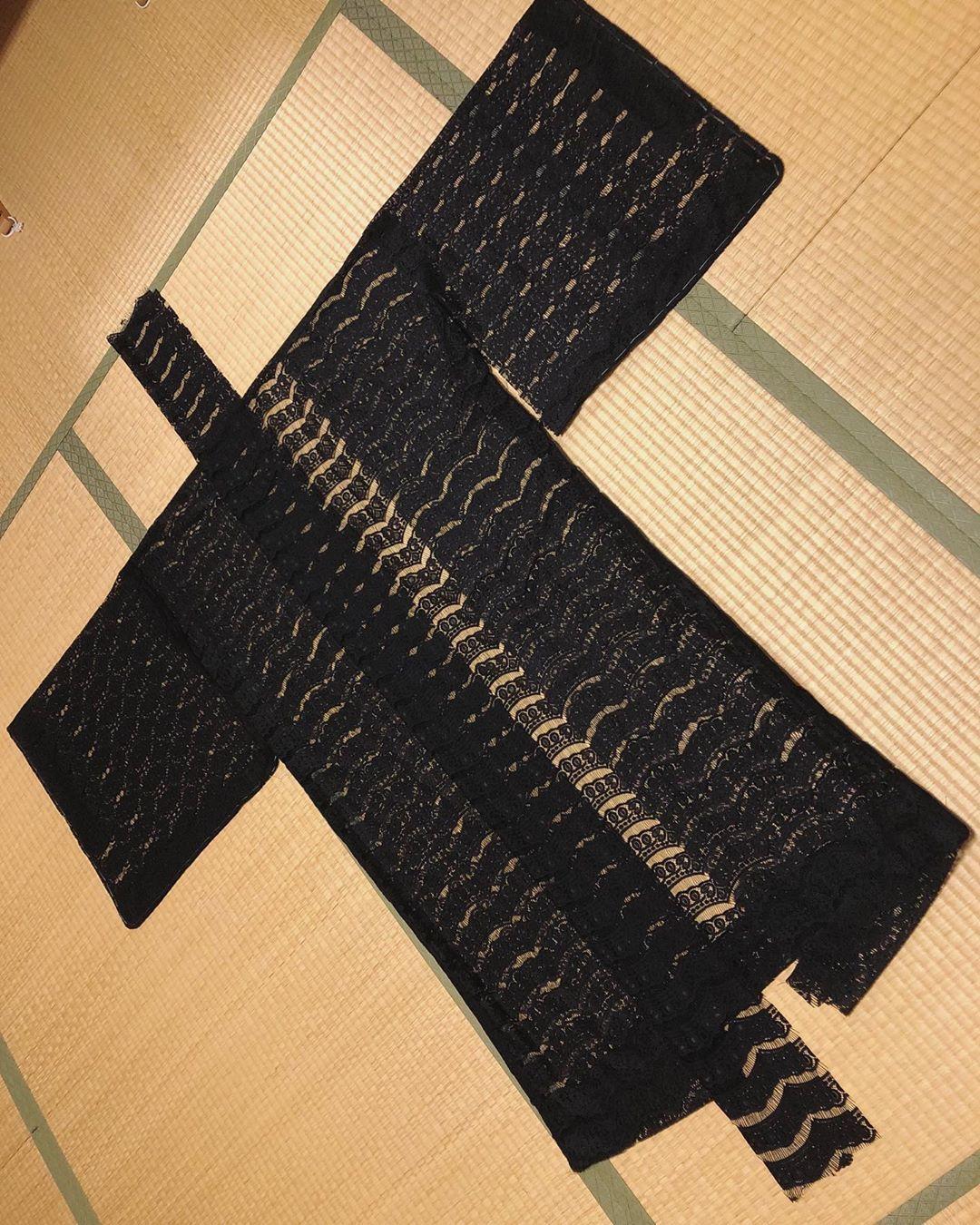 レースの羽織製作中_f0110089_16132714.jpg