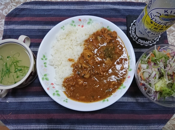 6/3夜勤前飯 S&Bおいしいカレー甘口 と 鯖みそ煮缶 で 鯖カレー @自宅_b0042308_19014784.jpg