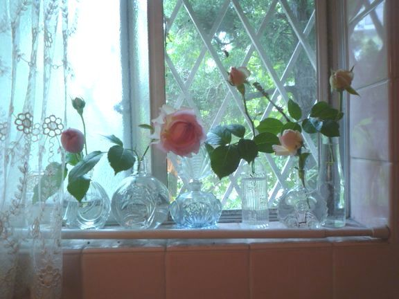 マスク&薔薇とインテリア_d0147611_15062753.jpg
