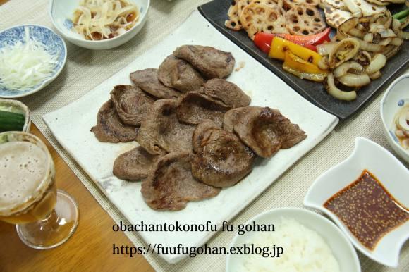 休日のおうちバルは、焼き肉パーティー&お野菜たっぷりのっけ弁_c0326245_11492377.jpg