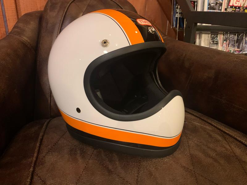 TT&CO製ヘルメット_d0348774_08293945.jpg